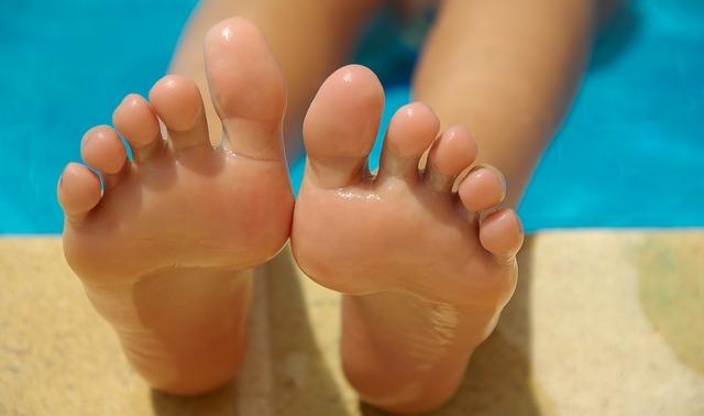 Home Remedies for Dry Peeling Skin on Bottom of Feet